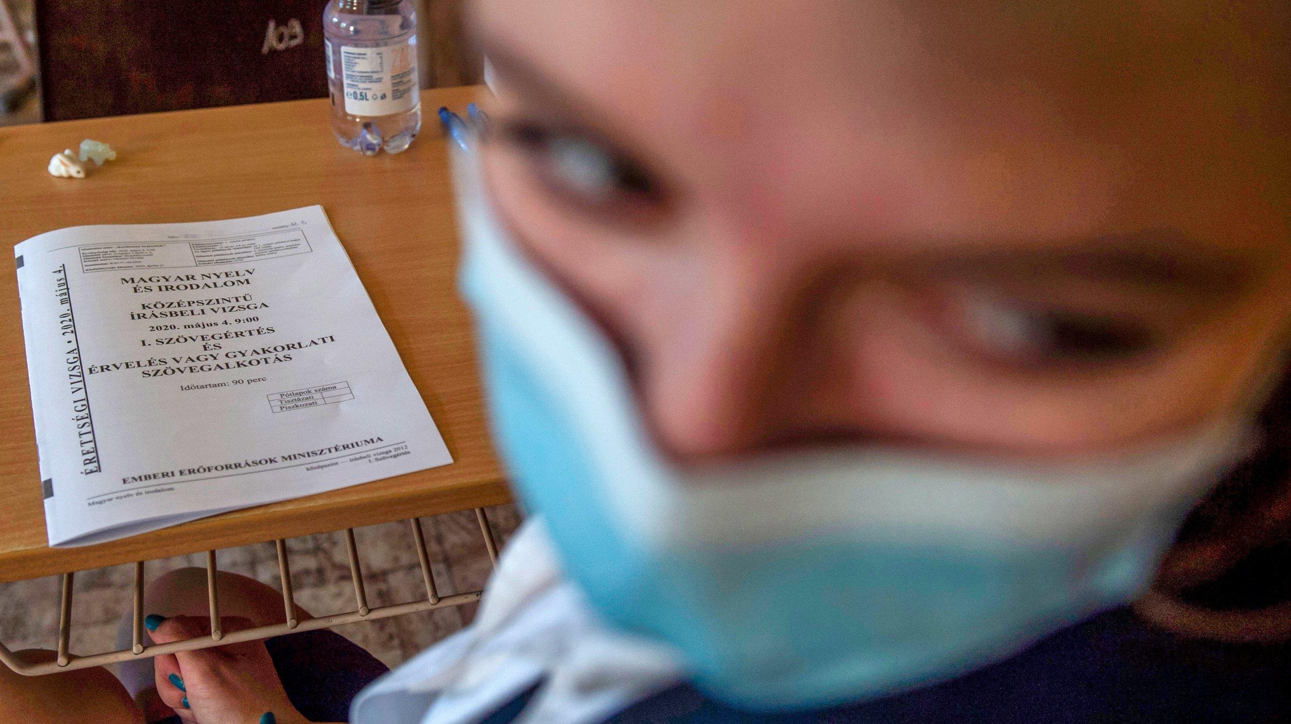 HUNGARY-HEALTH-VIRUS-EDUCATION