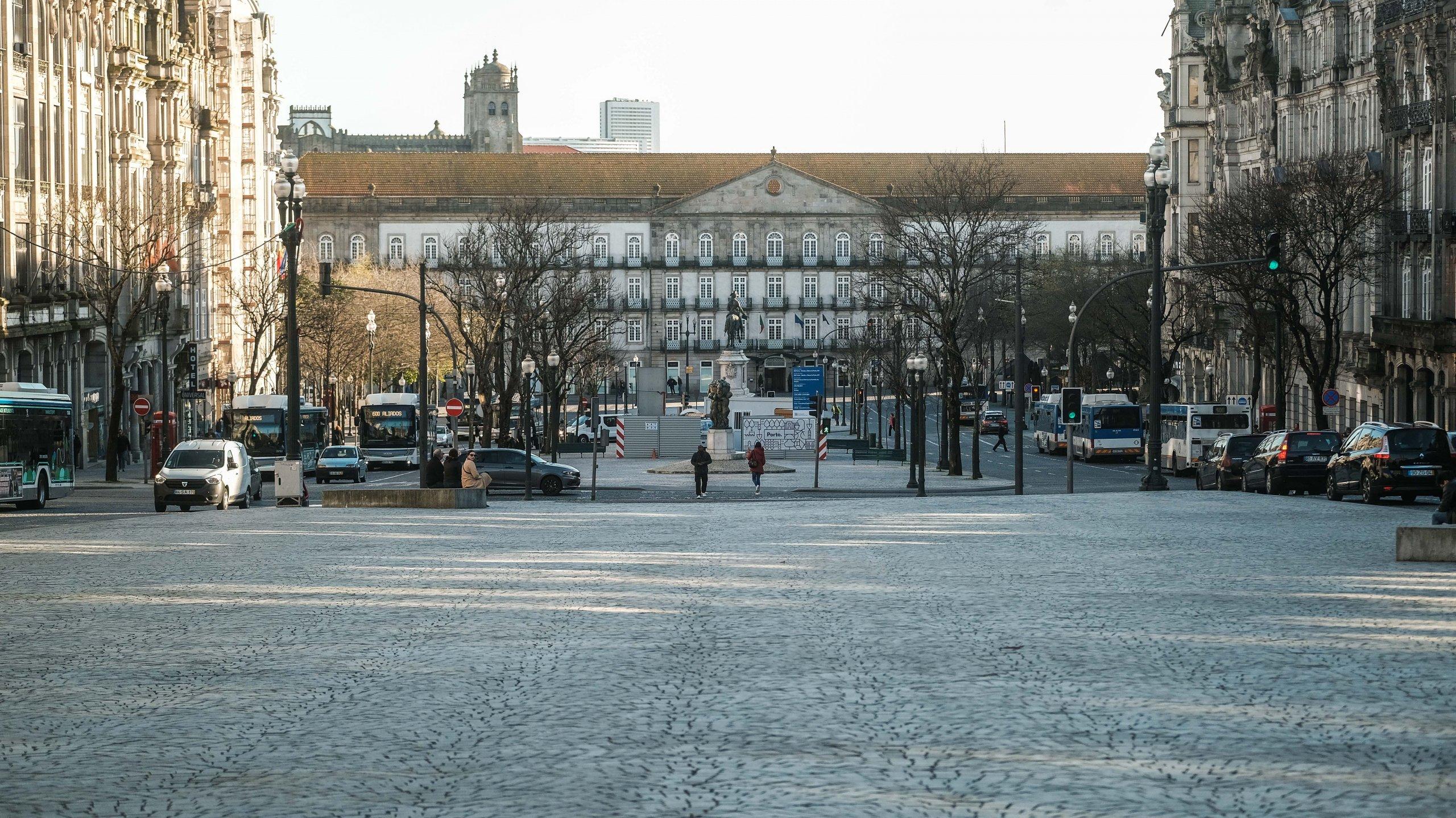 avenida dos aliados e praça da liberdade no Porto