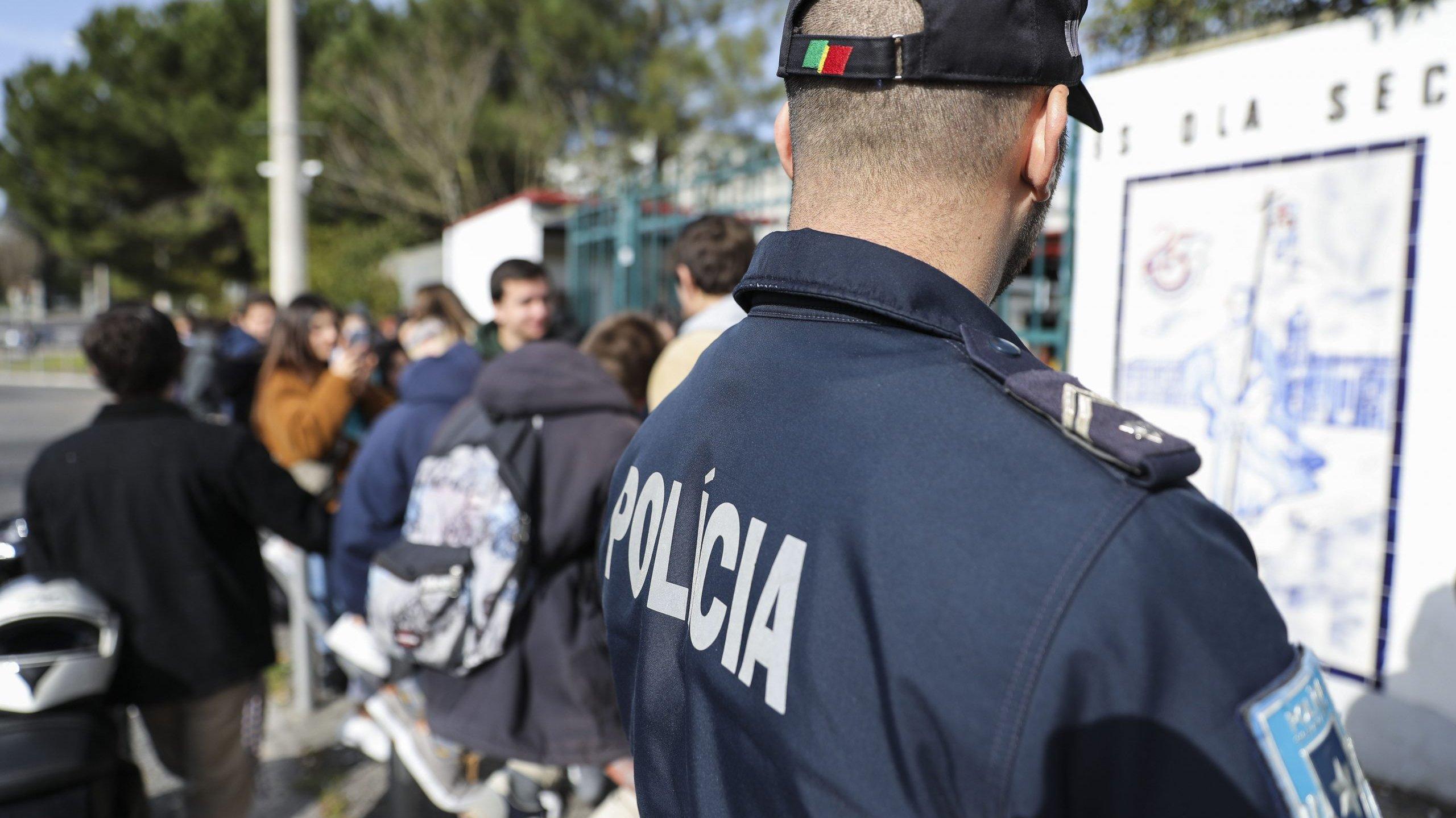 Reportagem sobre violência nas escolas com equipa da PSP/Escola Segura