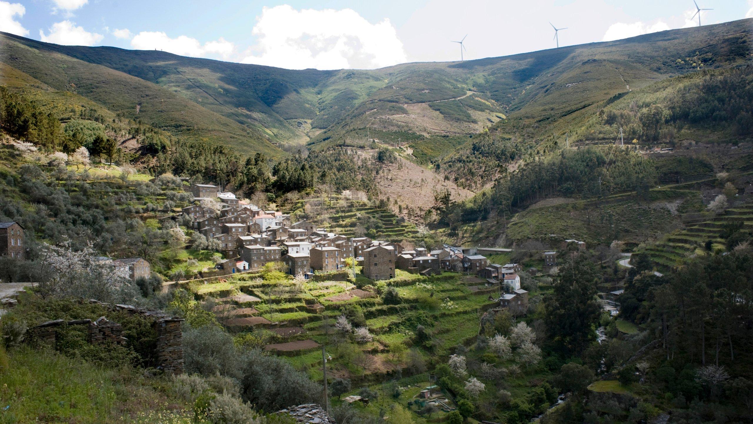 Piódão (Piodao) is a small village of less than 200
