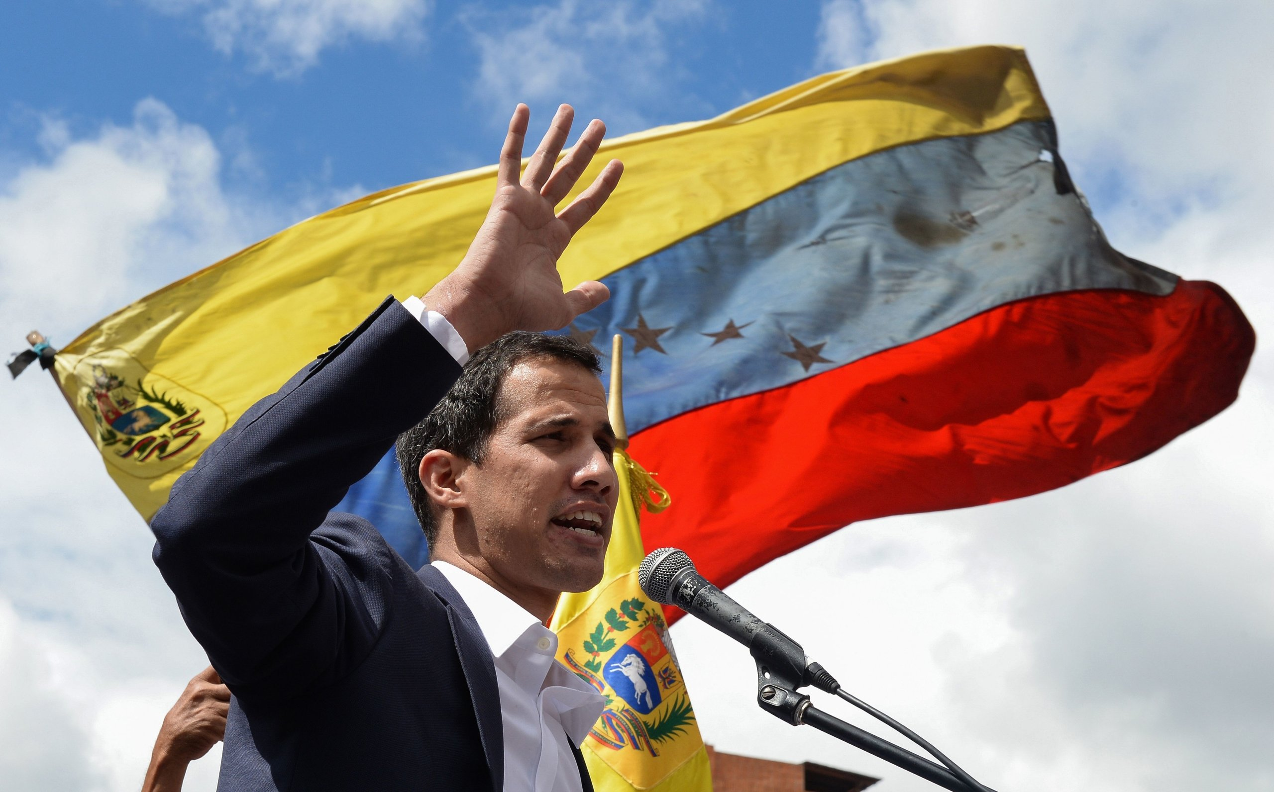 TOPSHOT-VENEZUELA-CRISIS-OPPOSITION-DEMO-GUAIDO