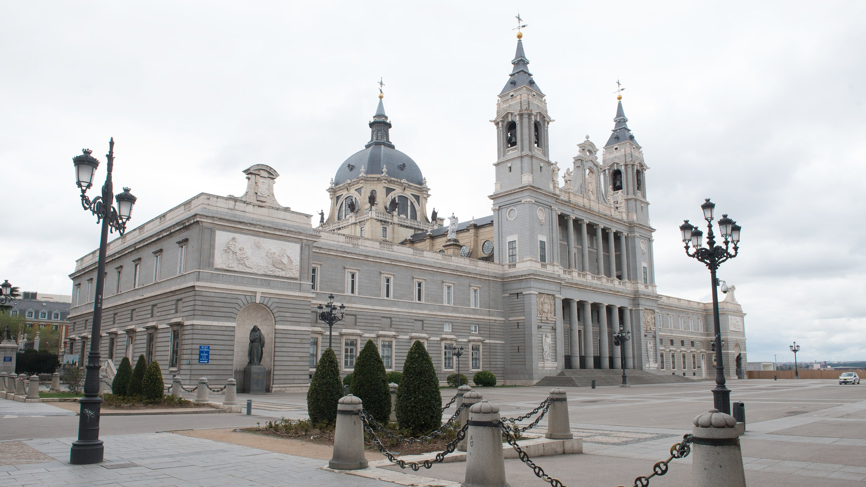Most Touristic Places In Madrid Appear Empty Due To The State Of Alam