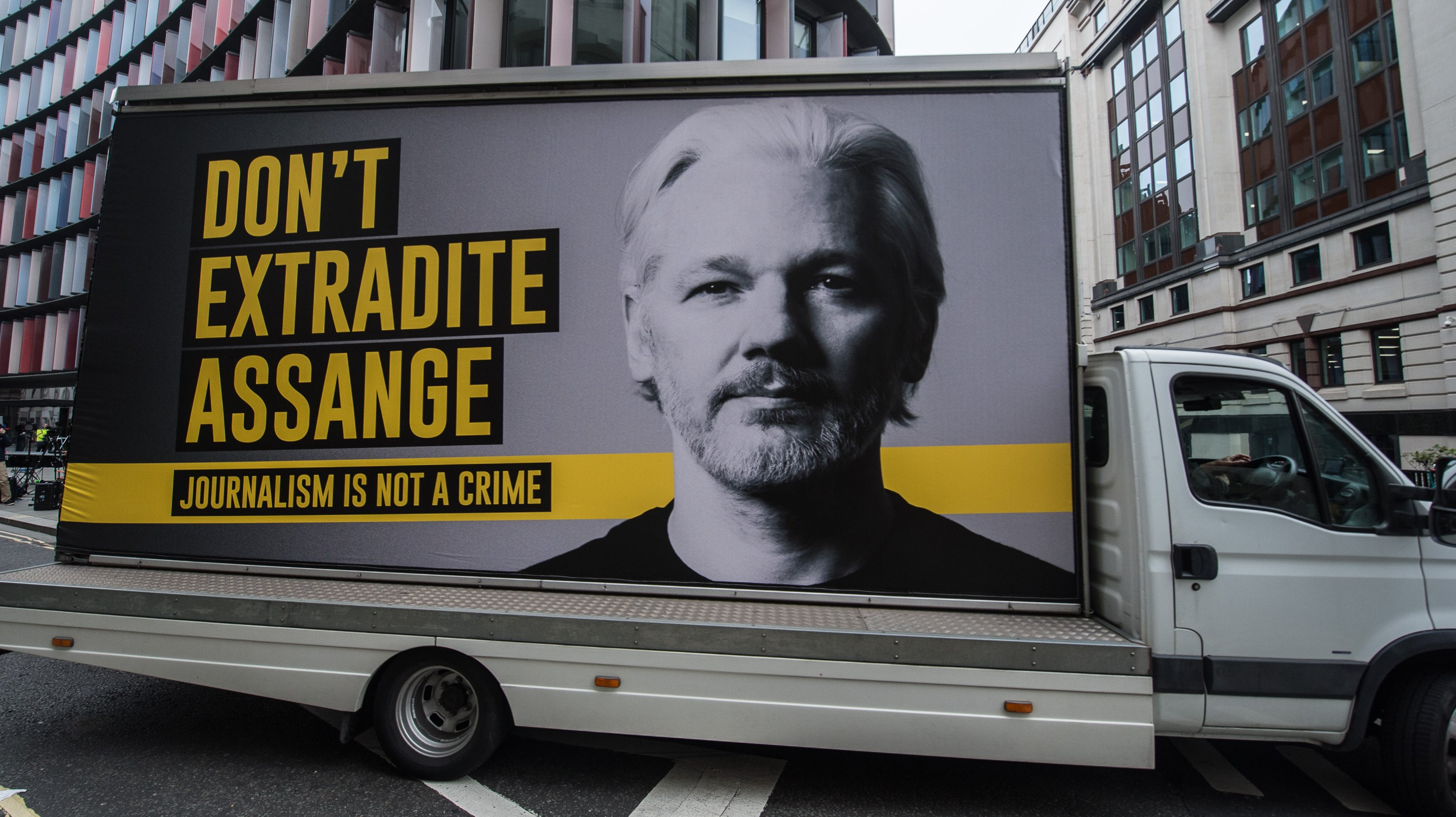 Extradition Trial For Julian Assange Begins At The Old Bailey