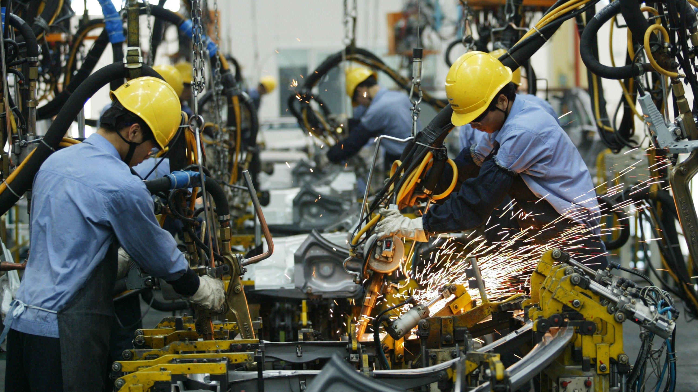 "Haikou Factory Produces ""Family"" Cars As Market Grows"