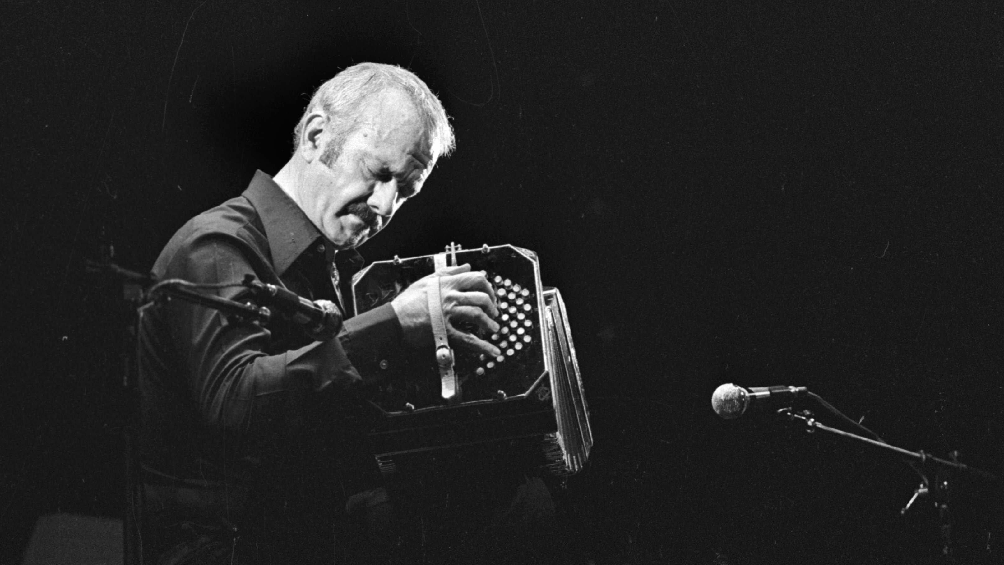 Astor Piazzolla ( 1921-1992 ), Argentine musician.