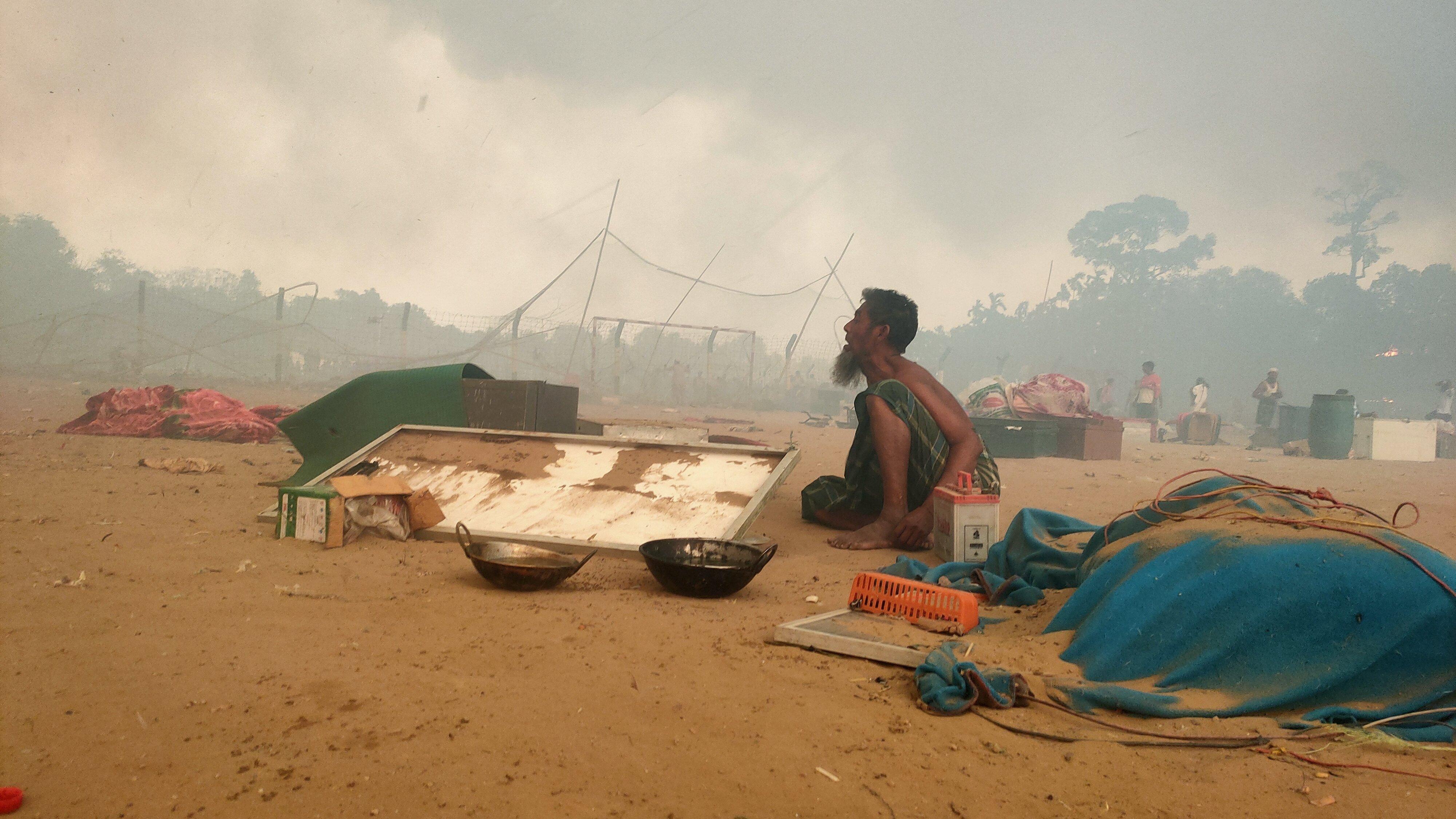 A huge fire swept through Rohingya refugee camps