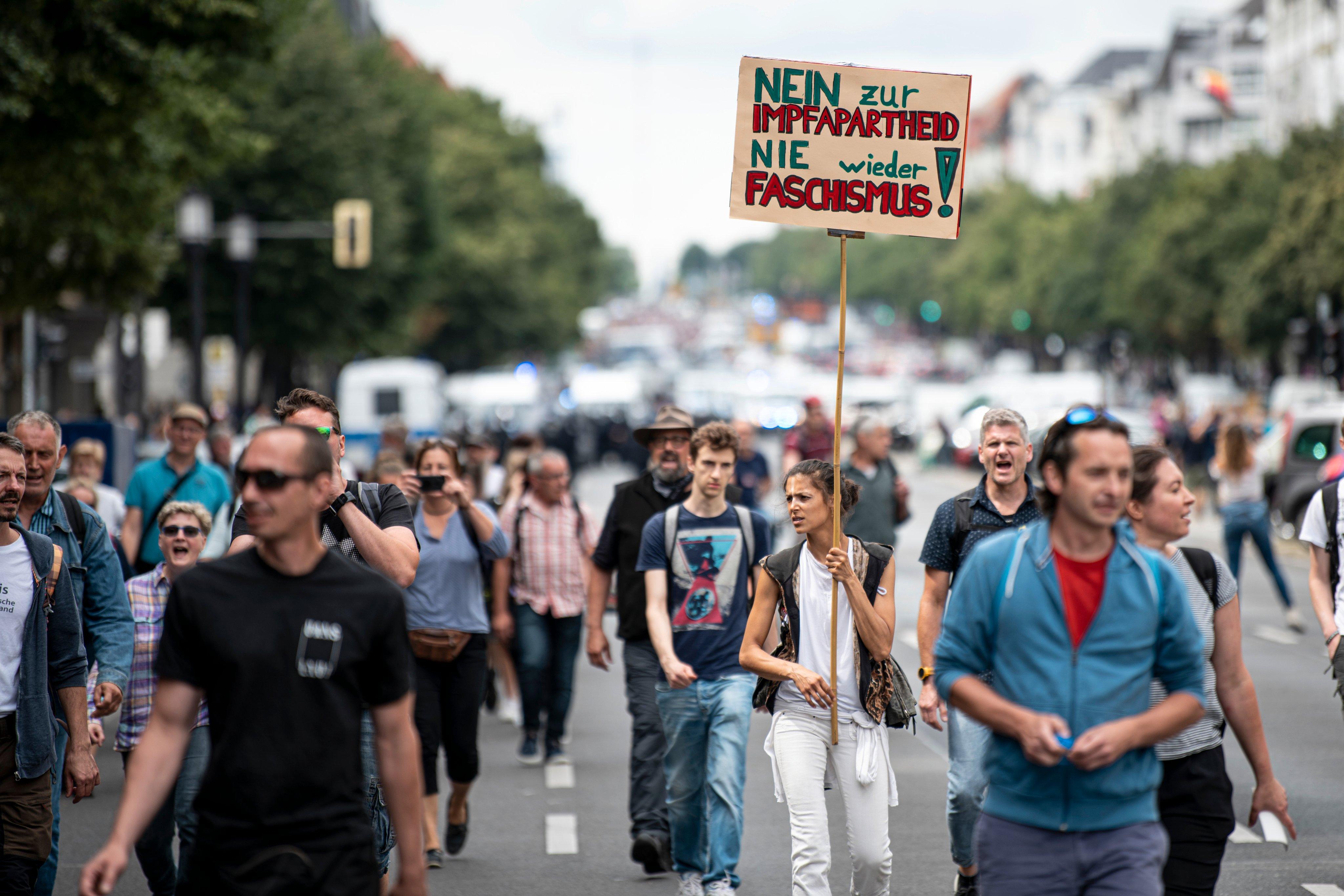 Ban on demonstrations in Berlin - meeting in Charlottenburg