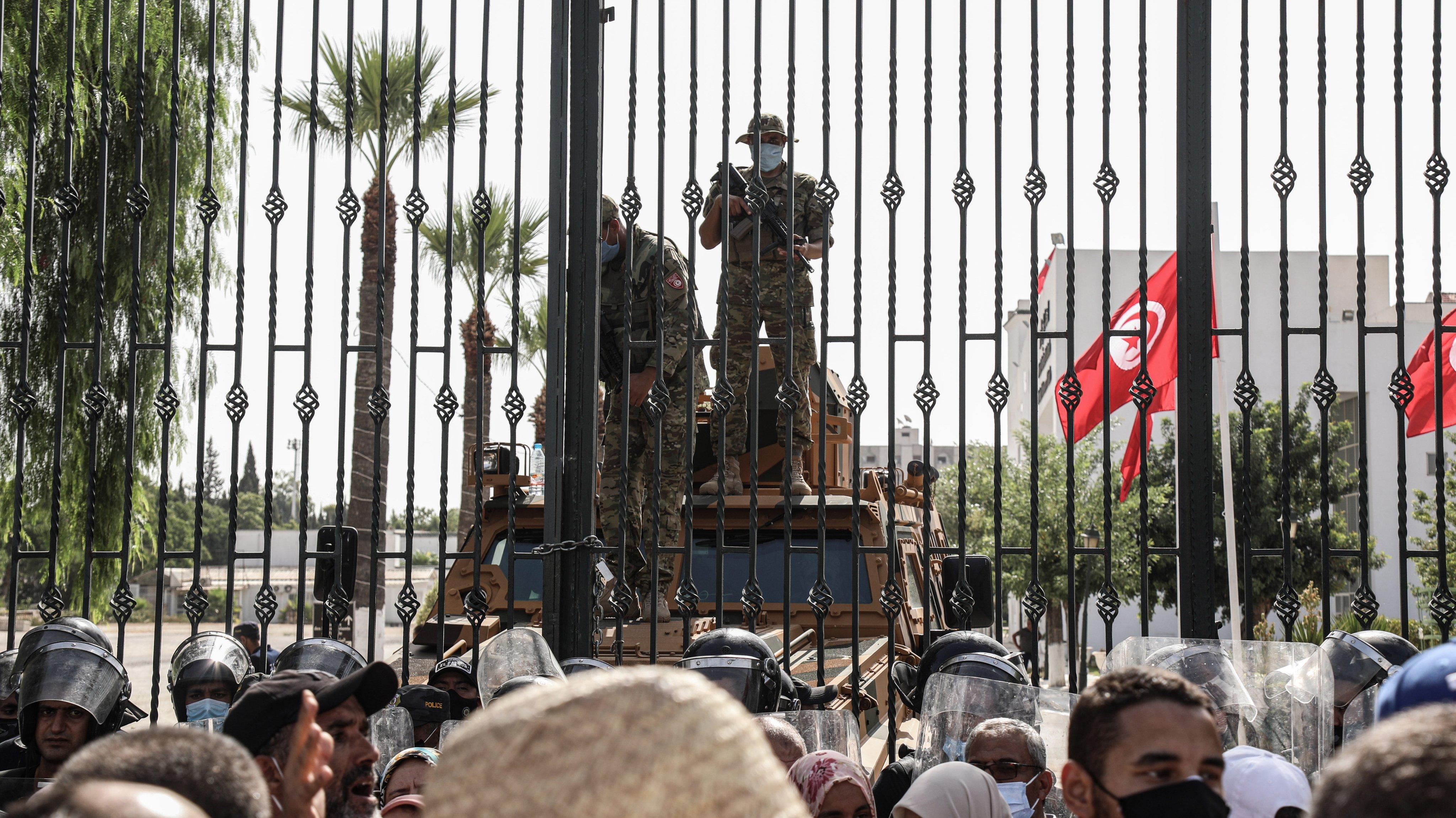 President suspends parliament in Tunisia