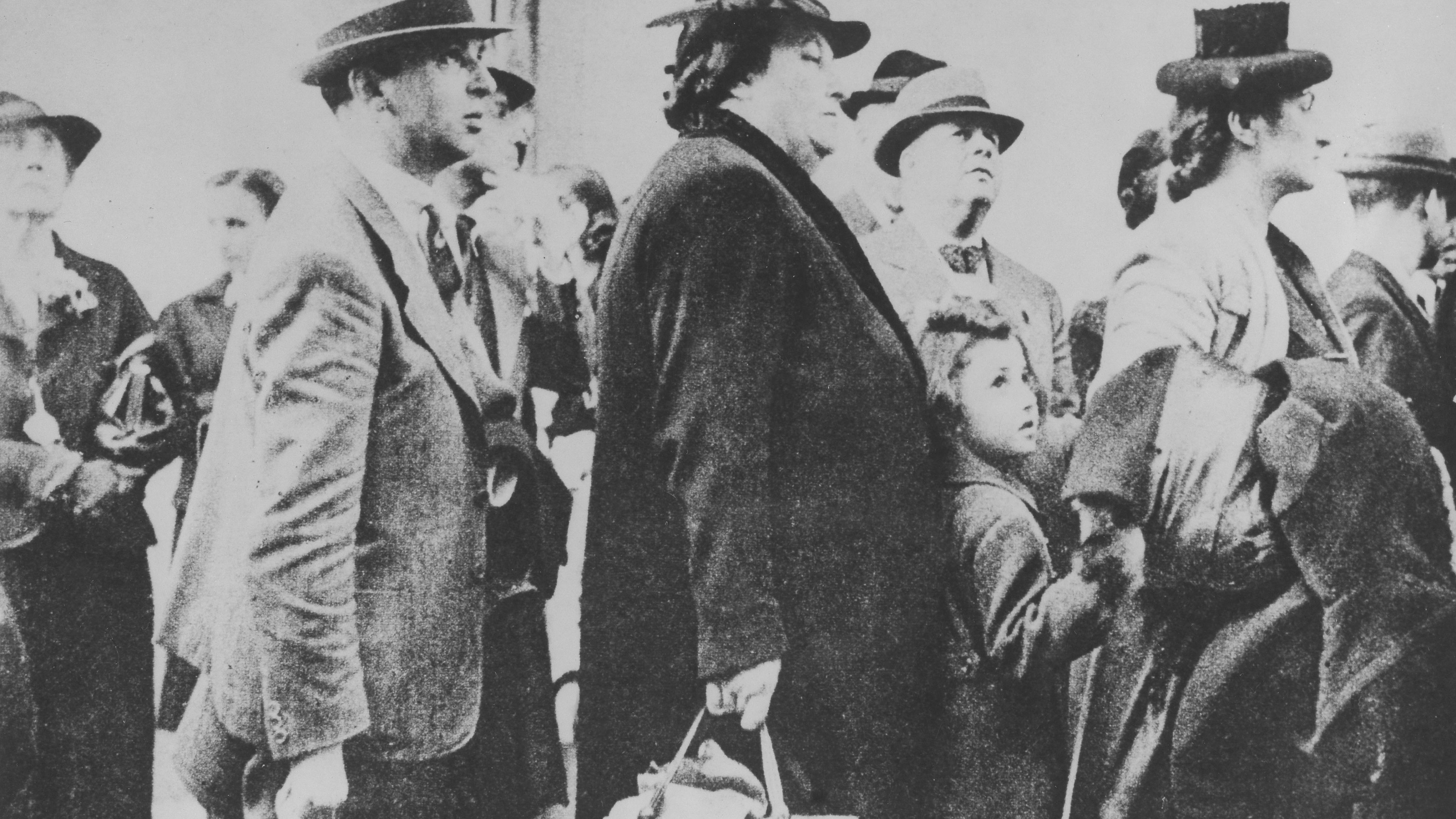 Germany, Third Reich - persecution of Jews 1939-45, emigration Embarkation of refugees in Lisbon