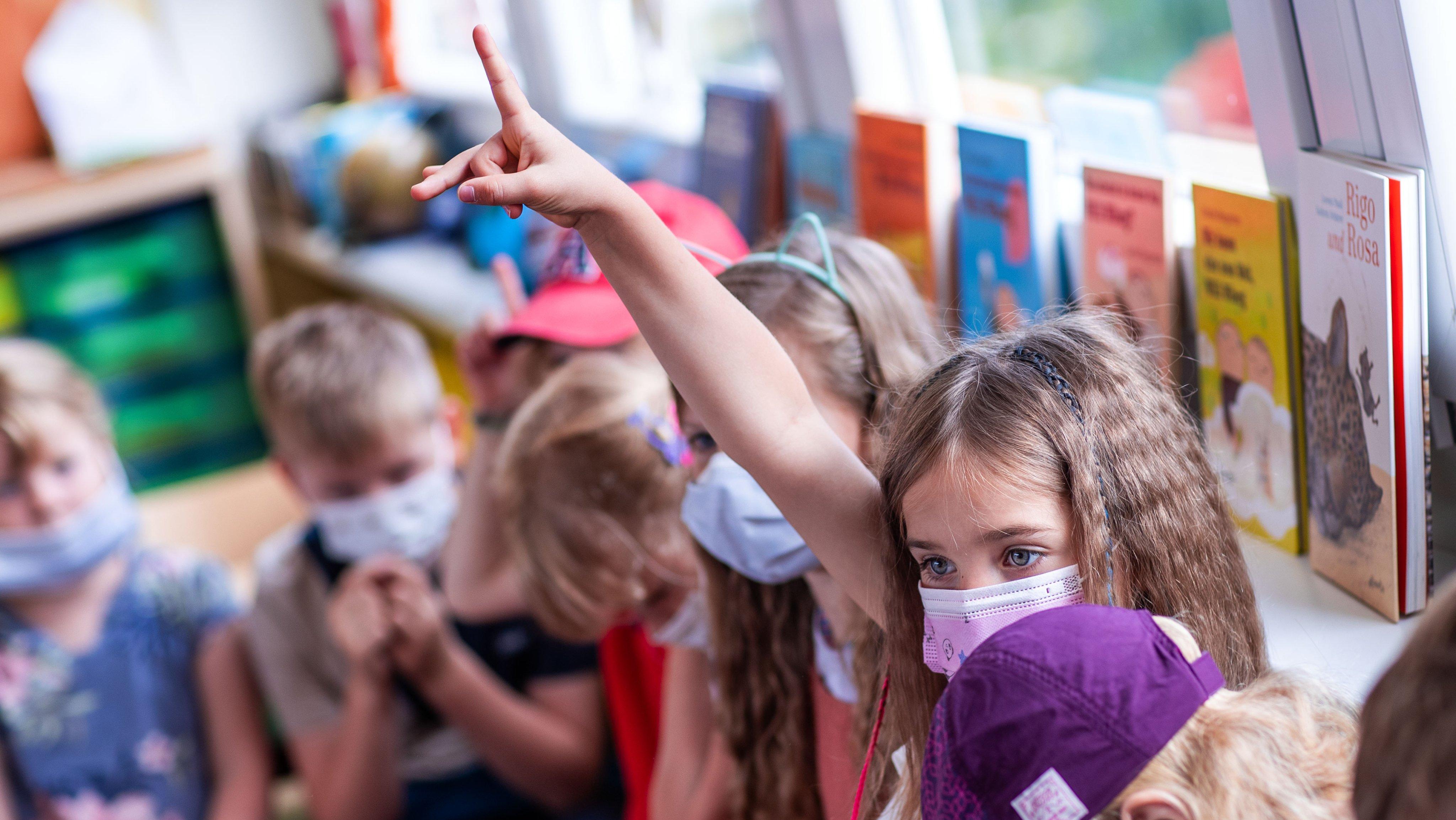 Coronavirus - First school day after summer holidays in Rostock
