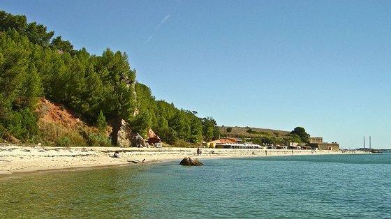 """""""Numa verdadeira praia urbana, a que os setubalenses poderão ir a pé e nas melhores condições"""""""