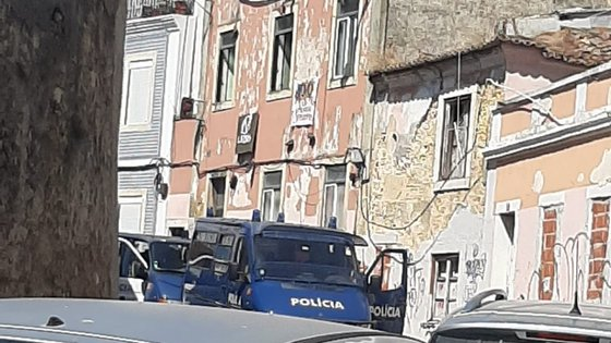 """Fonte do Comando Metropolitano de Lisboa da PSP disse apenas que foi cumprido uma ordem de despejo de um edifício """"ocupado indevidamente"""""""