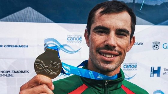 Fernando Pimenta somou a décima medalha em Mundiais, a quarta de ouro e a segunda em K1 1.000 depois do título de 2018