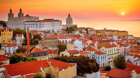 """O documento foi apresentado e discutido no âmbito do debate de atualidade sobre o tema """"Ausência de Política de Juventude na Cidade de Lisboa"""" proposto pelo grupo municipal do PCP"""