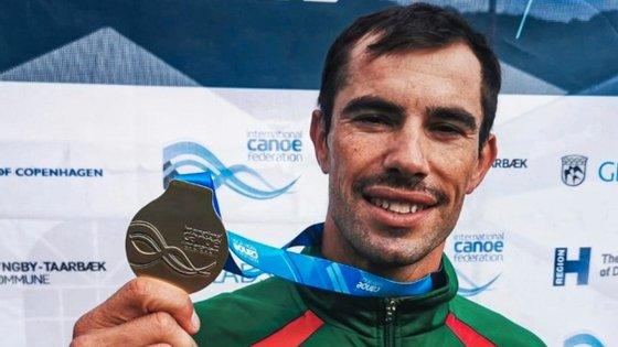 """""""Já tenho uma de prata, uma de bronze e para ficar bonito no quadro seria uma de ouro, como é óbvio"""", diz Fernando Pimenta, sobre as suas medalhas olímpicas"""