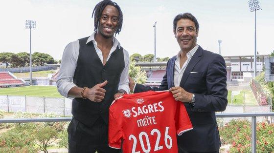 Soualiho Meité, de 27 anos, que estava vinculado aos italianos do Torino desde 2018, tem ainda passagens por Auxerre, Lille, Zulte Waregem, Mónaco, Bordéus e AC Milan