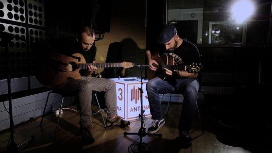 """Peixe (Pedro Cardoso) e Frankie Chavez (Francisco Chaves) divulgaram recentemente """"Brower"""", tema de avanço do segundo álbum"""