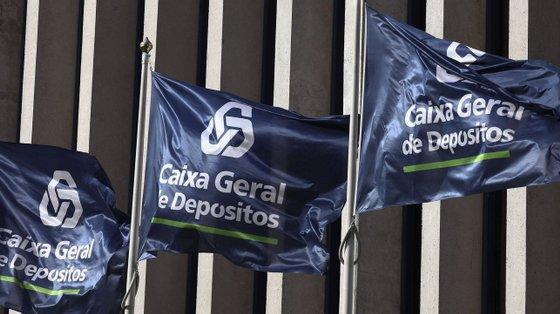 Os cinco principais bancos a operar em Portugal registaram, no primeiro semestre, um lucro agregado de 708,4 milhões de euros, com o BCP a ser o menor contribuidor