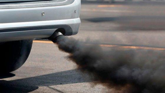 A DGCCRF é a entidade francesa que está a acusar os fabricantes locais e a VW de prevaricar, utilizando sistemas de tratamentos de gases de escape fraudulentos. Em alguns casos, as multas podem ser estratosféricas
