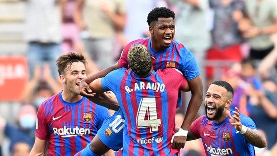Ansu Fati entrou a dez minutos do final, ganhou um penálti não assinalado e fechou a vitória por 3-0 com o regresso aos golos