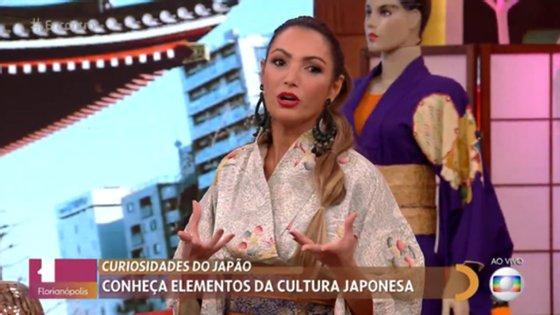 Os internautas dirigiram vastas críticas à apresentadora e consideraram que foram adotados elementos de uma cultura utilizandoclichês para se referir ao povo.