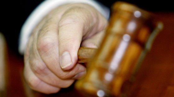 O Tribunal revogou a medida de coação de duas arguidas que foram condenadas em pena suspensa e que estavam em prisão preventiva
