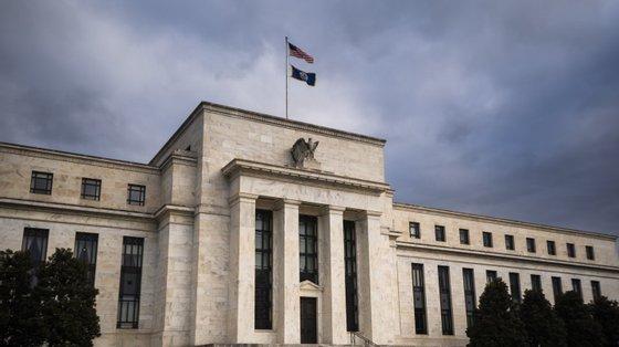 Em relação ao Produto Interno Bruto (PIB), o banco central norte-americano antecipa para 2021 um aumento de 5,9% contra os 7% que antecipava em junho