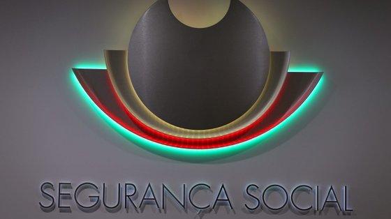 A receita efetiva da Segurança Social aumentou para 1.396,7 milhões de euros e a despesa subiu para 20.780,7 milhões de euros, em agosto