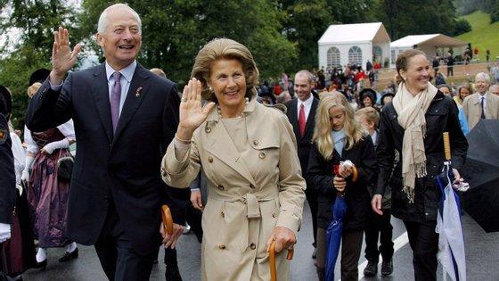 O Liechtenstein, com cerca de 40.000 habitantes, é uma monarquia constitucional regida pelo príncipe Hans-Adam II desde 1989