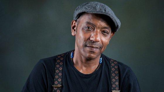 O músico Tito Paris atua a 28 de novembro, no Campo Pequeno, em Lisboa, num concerto que junta os seus amigos de sempre e os seus maiores êxitos