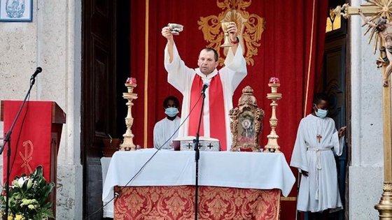 Ismael Teixeira tem 46 anos e foi ordenado sacerdote em 2001. Estava em São Mamede desde 2017