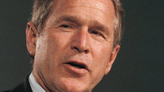 """""""Mulheres e raparigas afegãs sofrerão danos indescritíveis. É um erro"""", advertiu George W. Bush"""