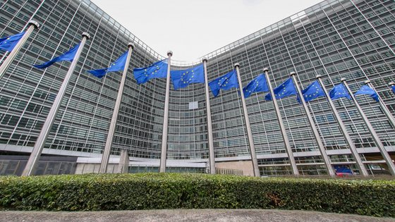 Lisboa tem dois meses para dar conta a Bruxelas da correta transposição da legislação