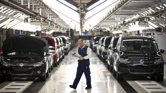 A indústria automóvel tem sido uma das mais afetadas pela falta de semicondutores