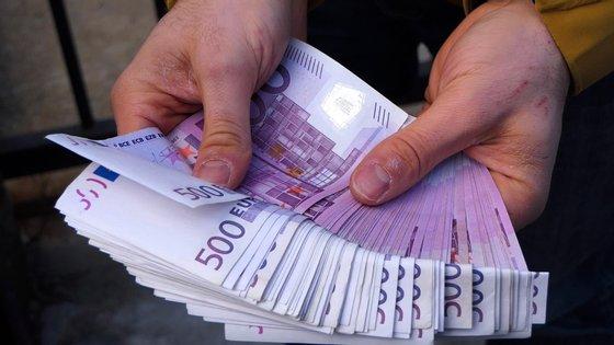 UE espera ainda alocar pelo menos mais 12 mil milhões de euros