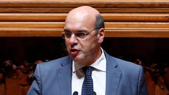 """Siza Vieira afirmou que as empresas portuguesas """"têm tradicionalmente problemas de capitalização, baixo nível de capitais próprios"""""""