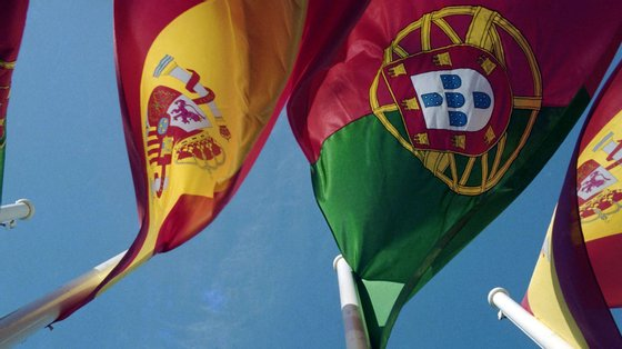 """Portugal e Espanha trabalham em conjunto para """"facilitar uma solução pacífica e interna"""" para a crise em Caracas"""