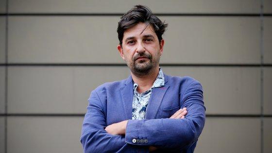 """Fazer """"O Cerejal"""" é também """"falar de mulheres e homens que pensam e vivem coisas que nunca foram vividas por ninguém antes"""", diz Tiago Rodrigues"""