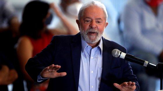 Bolsonaro lidera o índice de rejeição com 59% de rejeição, mas também 37% dos inquiridos não votariam em Lula da Silva