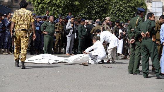 Os três homens foram executados na praça Tahrir com um tiro nas costas