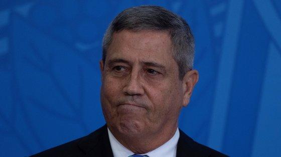 Segundo o jornal brasileiro O Estado de S.Paulo, o general recorreu a um interlocutor para transmitir o recado para Arthur Lira, Presidente da Câmara dos Deputados
