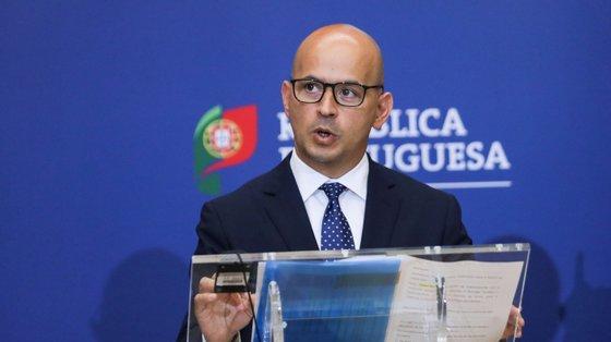 """""""Contamos que este seja um primeiro sinal e que agora seja seguido por melhorias de 'rating' da República portuguesa nos próximos tempos"""", disse João Leão"""