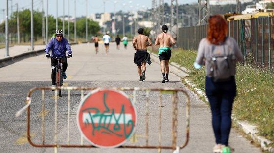 """""""O risco de morrer por uma doença que não a Covid-19 está, esse sim, a aumentar em Portugal"""", dizem os subscritores da carta aberta"""