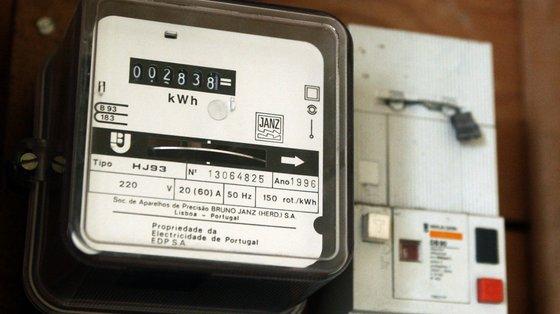 """Face aos preços actuais ,""""o impacte estimado da atualização da tarifa de energia para os consumidores do mercado regulado é de 3%"""""""