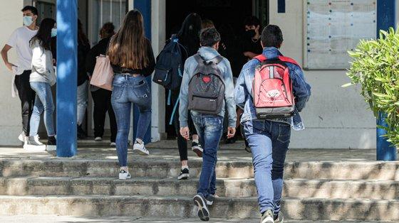 """Os diplomas limitavam-se às notas, sem fazer referência a mais nada. Mas os alunos não são só um conjunto de notas e uma média"""", disse João Costa"""