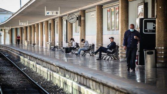 A avaria parou a linha de comboios que une Lisboa a Sintra