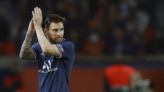 Messi volta aos planos da equipa do PSG, depois de ter estado ausente por lesão