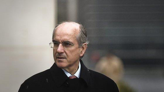 Esta quinta-feira era notícia que o ex-banqueiro informou os autos de que está em Londres até ao próximo dia 30 de setembro
