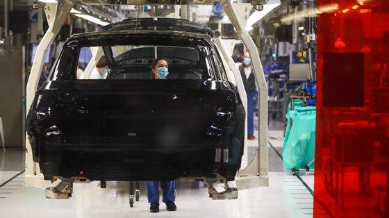 As paragens forçadas ou redução da atividade devido à Covid-19 desde o início do ano passado traduziu-se numa perda de produção acumulada de 70.000 veículos