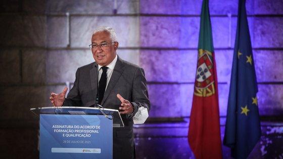 """""""Não há emprego para a vida, mas também tem de haver oportunidades ao longo de toda a vida"""", disse António Costa"""
